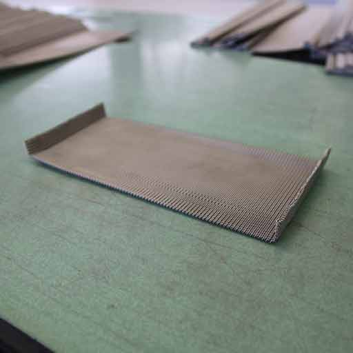 furnace belt with edges
